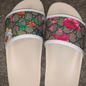 Gucci white Bloom/Flora Slides